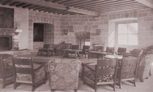 The main reception hall with the exit to the dining room, 1938