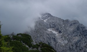 Unpredictable weather: the dark clouds quickly close in on the mountain